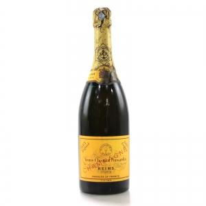 Veuve Clicquot Ponsardin Brut NV Champagne / Dry England